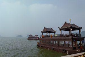 Tam Chúc – Ngỡ ngàng ngồi chùa đẹp tựa tranh vẽ