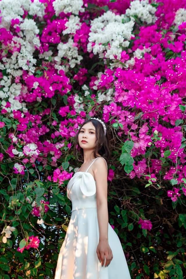 Check in hàng hoa giấy siêu đẹp nằm cạnh Sài Gòn được giới trẻ săn đón