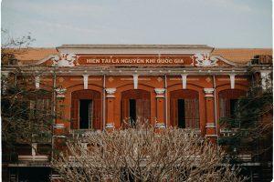 Trường Quốc Học là một ngôi trường nổi tiếng ở cố đô Huế!