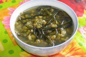 Cách nấu chè đậu xanh phổ tai nước cốt dừa giải nhiệt
