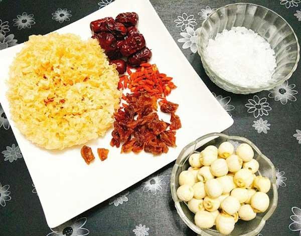 Nguyên liệu nấu chè dưỡng nhan nấm tuyết