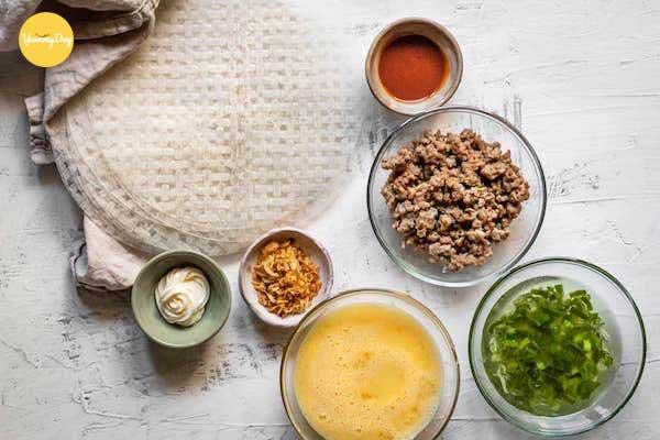 Cách làm bánh tráng nướng trứng cút, mỡ hành