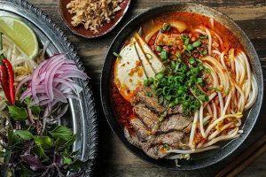 Cách nấu bún bò thơm ngon đúng chuẩn hương vị Huế